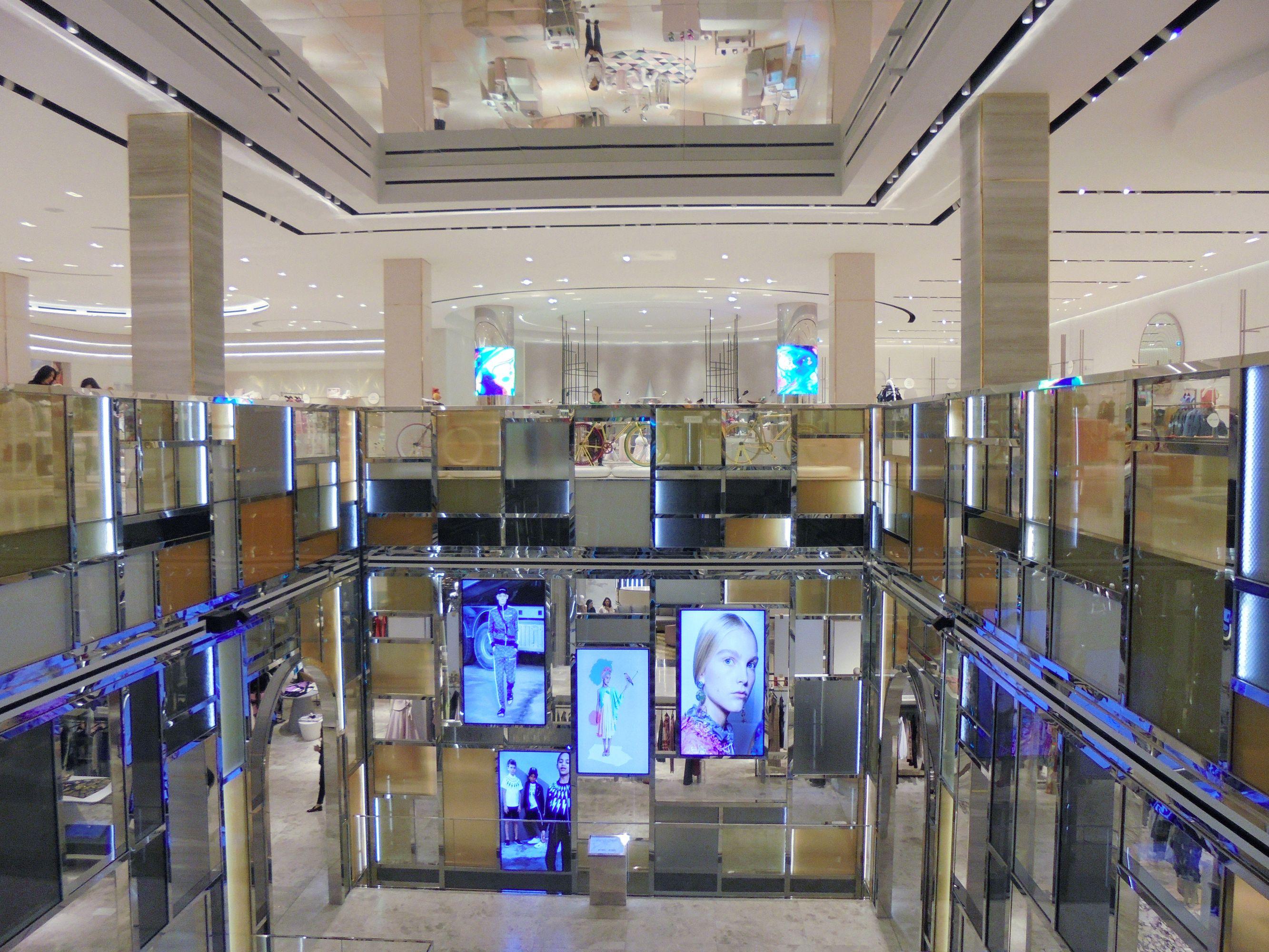 Harvey Nichols, Doha, Qatar   PROLICHT Project